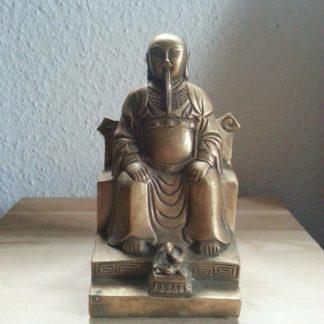 Statuen & Schriftrollen